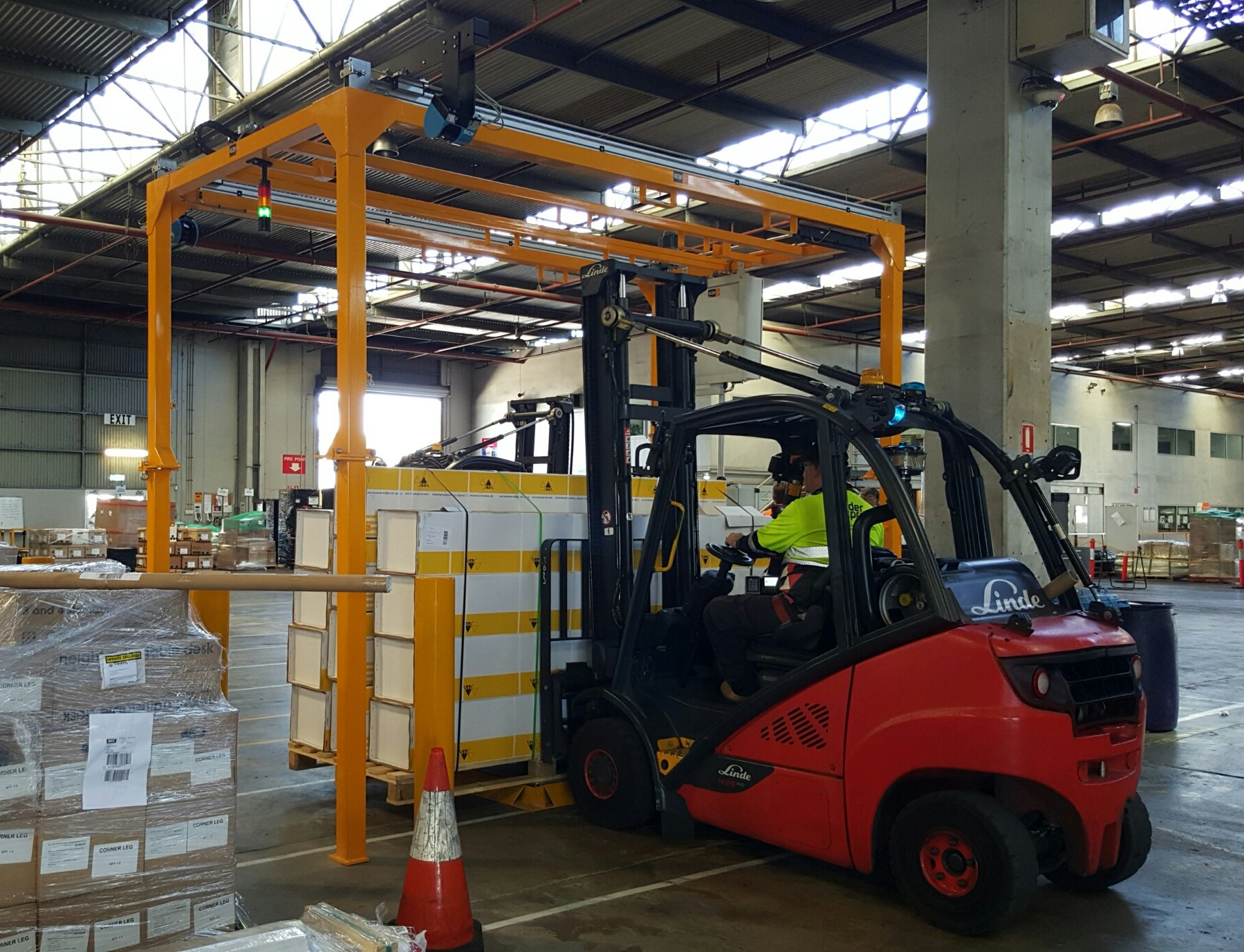 CubiScan 1200 AKL Pallet Dimensioning System Height Clearance