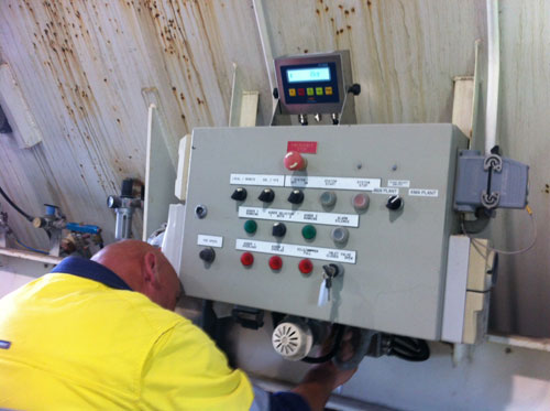 Mobile Storage Bin Converted to an Onboard Vehicle Weighing System