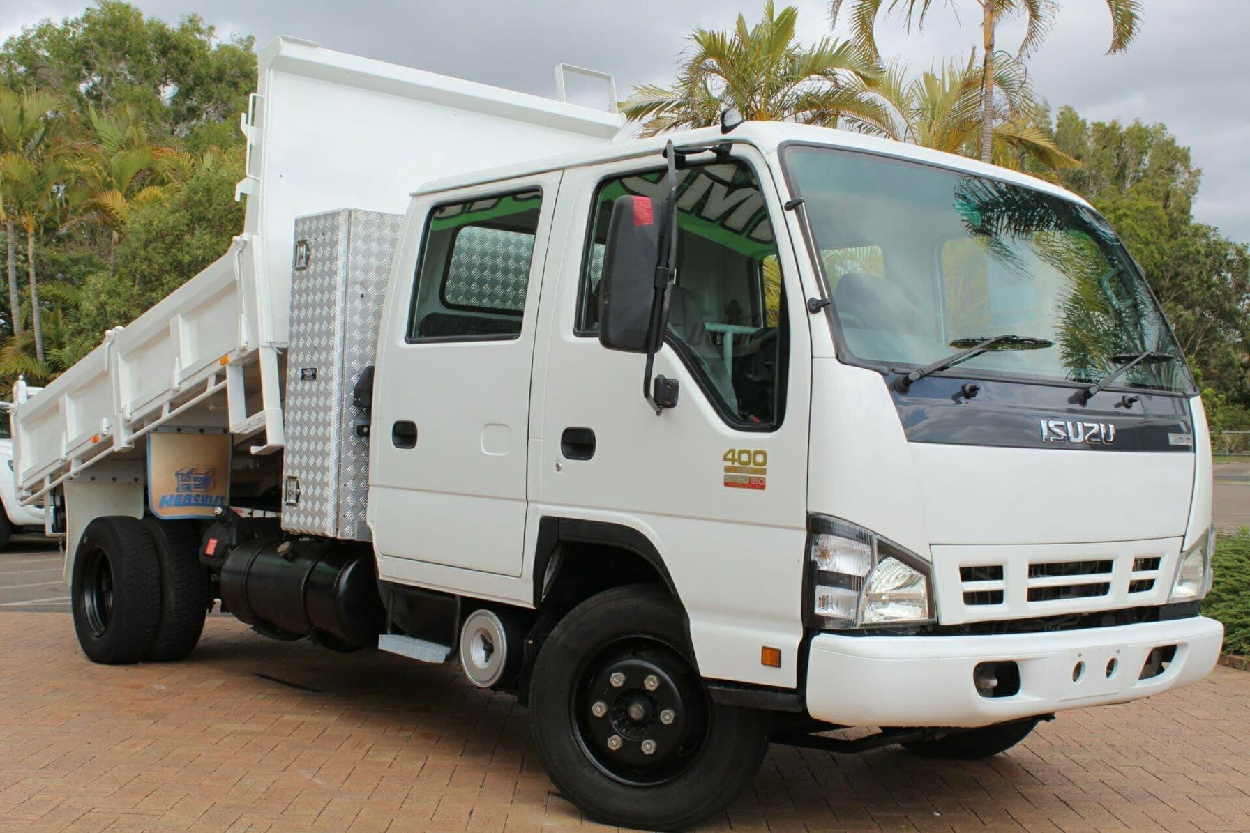 Dual Cab light tipper truck