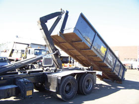Waste truck fitted with LFT-1500 Underbody Trade Approved system